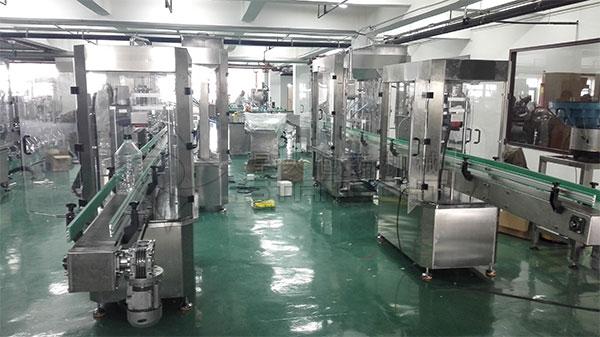菜籽油灌装生产线厂家设备实拍图